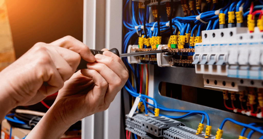Enjoy The Scheduling Services Of Electrical Repairs In Tulsa, OKAnd Book Them Online